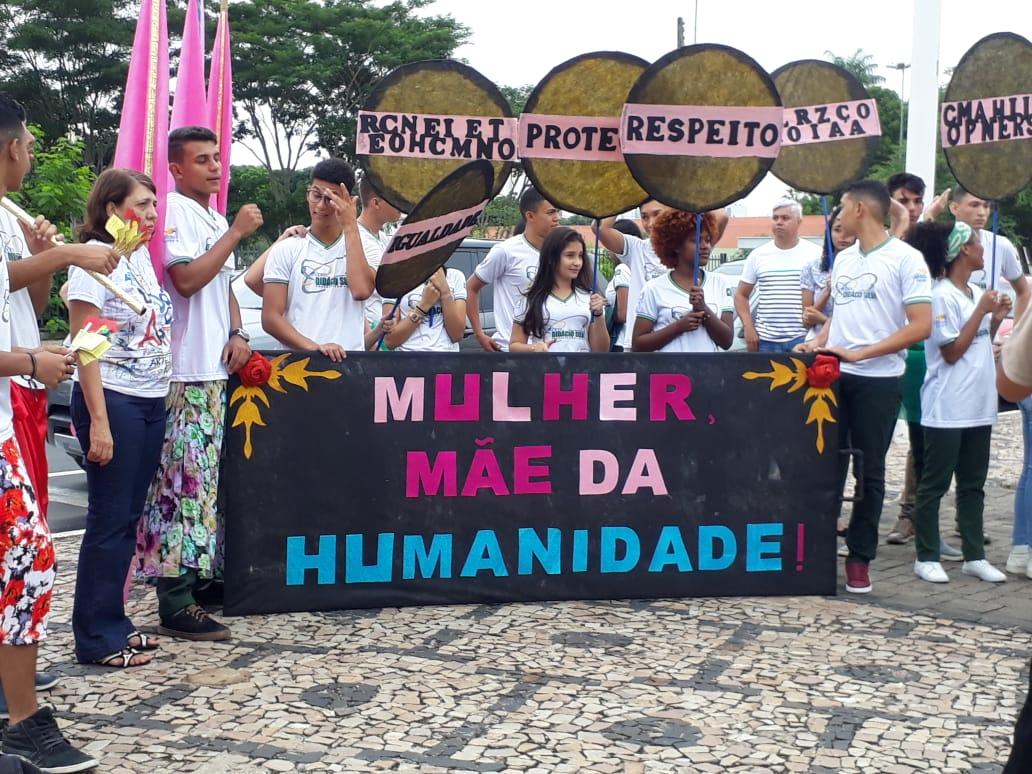 11fae547562 Dentre as atividades realizadas pelas escolas o Centro Estadual de Tempo  Integral (CETI) Didácio Silva